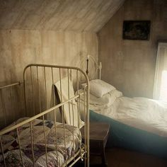 Villisca Axe Murder House Joins the World's Most Haunted Hotels Haunted Houses In America, Real Haunted Houses, Haunted Hotel, Abandoned Asylums, Abandoned Houses, Abandoned Places, Most Haunted Places, Scary Places, Creepy Things