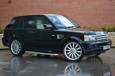 Great Value Range Rover Sport 2.7 HSE Just Arrived In Stock! http://www.individualcars.com/cars/166