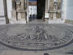 Selo português à entrada da Porta Férrea da Universidade de Coimbra | Portugal Coimbra Portugal, My Heritage, Pavement, Cool Artwork, Portuguese, Touring, Brazil, Tiles, Beautiful Places
