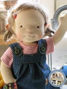 Picture only - idea for dolls clothes - denim pinafore - use old jeans Doll Crafts, Diy Doll, Doll Toys, Baby Dolls, Native American Dolls, Waldorf Toys, Sewing Dolls, Doll Hair, Soft Dolls