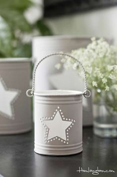 11 DIY Recycle a Tin Can Into a Gorgeous Lantern Candles Coffee Can Crafts, Tin Can Crafts, Diy And Crafts, Tin Can Lanterns, Candle Lanterns, Solar Lanterns, Recycler Diy, Tin Can Art, Deco Champetre
