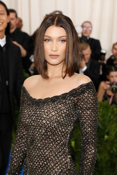 Bella Hadid Bob Haircut at the Met Gala 2017 | POPSUGAR Beauty