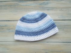 newborn baby boy stripey beanie - free crochet pattern