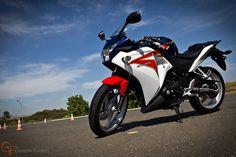 Uma moto por dia: Dia 160 – Honda CBR250R | Osvaldo Furiatto Fotografia e Design