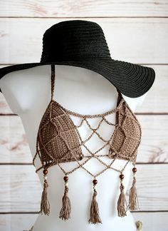 This Crochet summer fringe top is made of tow parts. The first is an bikini top and the above is mesh top with fringe. Fun and sexy hipie boho top. Perfect for your festival outfit or just for the beach. Great for layering. Motif Bikini Crochet, Bikinis Crochet, Crochet Lingerie, Festival Tops, Coachella Festival, Crochet Summer Tops, Crochet Top, Bikini Sets, Mode Crochet