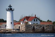 Portsmouth Harbor Light, New Castle, New Hampshire went here a lot in my teens and and every time I visit home. Usa Places To Visit, Places To See, Hart Island, Granite State, Harbor Lights, Beacon Of Light, Beautiful Places, Amazing Places, Covered Bridges