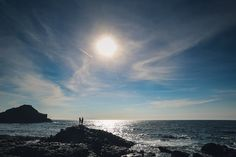 See 1021 photos and 131 tips from 7398 visitors to Giant's Causeway. It's absolutely breathtaking and has to be seen to be. Irish Wedding, Natural Wonders, Wedding Photography, Weddings, Sunset, Beach, Water, Outdoor, Sunsets