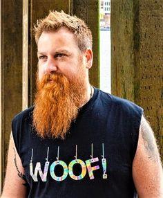 Good looking man and gorgeous ginger beard. Scruffy Men, Hairy Men, Bearded Men, Walrus Mustache, Beard No Mustache, Ginger Men, Ginger Beard, Big Beard Styles, Beard Tips