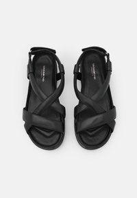 Vagabond ERIN - Sandały na platformie - black/czarny - Zalando.pl Fashion Boots, Flip Flops, Shoes, Zapatos, Shoes Outlet, Beach Sandals, Shoe, Footwear, Slipper