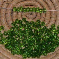 Lot 145 perles de rocaille - 14 gr - 4,5 mm - transparent olivine