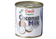 ココナッツミルク      ココナッツホイップクリーム      ココナッツホイップクリームは、ココナッツが香りトロピカルフルーツとの相性がよいクリームです。ココナッツ缶で簡単に作れますのでぜひお試しください。      ココナッツミルクは前の晩から冷蔵庫に入れておき、脂肪分を固めておきます。冷蔵庫から取り出して分離した水分をボウルに移し、脂肪分だけを取りだします。この水分はカレーやスムージーに活用することができます。残った脂肪分を冷えたボウルに移してホイップし、砂糖などの甘みを加えさらにホイップすれば完成です。お好みでバニラエキスやカカオパウダーを加えても美味しくいただけます。      ▼ ワンポイント!      ココナッツホイップクリームでは分離したココナッツミルクの脂肪分を使うため、グアガムや乳化剤が入っているとうまく分離されず向いていません。そのため、ココナッツミルクは低脂肪のものは避け、グアガムや乳化剤が入っていないものを選びましょう。