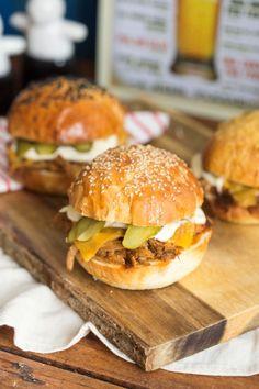 A legszaftosabb pulled pork szendvics Pulled Pork, Street Food, Sandwiches, Food And Drink, Pizza, Bread, Dinner, Cooking, Ethnic Recipes