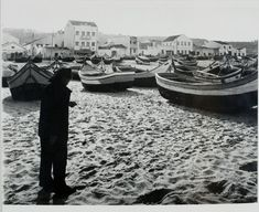 People Gordon W. Gahan, American (New York, New York 1945 - 1984 St. Thomas, US Virgin Islands) Title Portugal's Picturesque Nazaré (Second of twelve): Early in the morning, a fisherman strolls the deserted beach at Nazaré. Harvard Art Museum, Brassai, Us Virgin Islands, Monochrome Photography, Early Morning, Terra, St Thomas, American, Portuguese