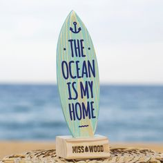 plancha-de-surf-de-madera-para-decoracion-regalo-personolaizado-The-Ocean-is-my-home-azul-azul
