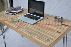 Desk  Reclaimed Maple Boxcar  Red Resin Inlay por WickedBoxcar