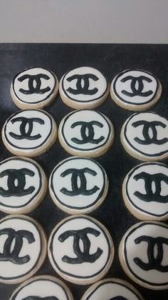 Biscoitos decorados estilo #Chanel