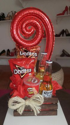 44 Ideas Birthday Gifts For Him Diy Father Mickey Mouse For 2019 Birthday Present For Brother, Birthday Gift For Him, Birthday Diy, Candy Bouquet, Balloon Bouquet, Diy Presents, Diy Gifts, Mickey Mouse, Valentine Decorations
