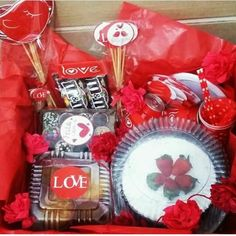 festa na caixa vermelha Sweet Jars, Make Your Mark, Catering, Decoupage, Diy And Crafts, Valentines Day, Snack Recipes, Chips, Sweets