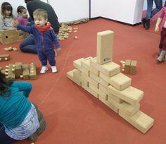 @hory_howoldryou has big cork BLOCS !!!#joc #toy #juguete #jouet #spielzeug #suro #cork #corcho #liege #kork #disseny  #design #diseño  @hory_howoldryou