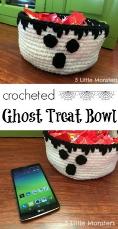 crocheted ghost candy bowl for halloween #ghostbusters #catchmoredata [ad]