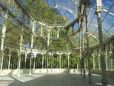 Interior del Palacio de Cristal, un lugar muy próximo al MNAD que bien merece una visita previa o posterior...