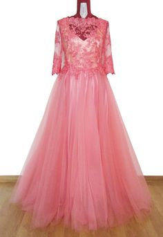 Light Pink Maxi Soft Tulle Full Skirt Dress by AtelierAncaGrigoras Full Skirt Dress, Tulle Dress, Pink Maxi, Prom Dresses, Formal Dresses, Embroidered Lace, Ball Gowns, Trending Outfits, Skirts