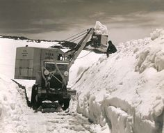 Opening day of the Beartooth Highway in 1936 Beartooth Highway, Wyoming State, Red Lodge, Wilderness, Adventure Travel, Montana, Spaces, History, Historia