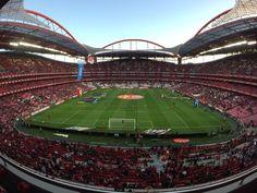 Estádio da Luz,  SL Benfica (@SLBenfica) | Twitter Benfica Wallpaper, Soccer Stadium, Big Love, Baseball Field, Sports, Twitter, Stadium Of Light, Canoeing, World Football