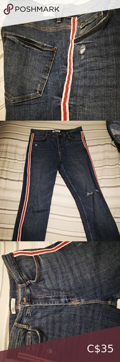Zara Jean's It was used two or three times but it is in good condition. It is ripped in the knees. It is elastic. 2% It is high waist. Zara Jeans Skinny Printed Skinny Jeans, Black Ripped Jeans, Denim Skinny Jeans, Distressed Skinny Jeans, Animal Print Jeans, Snake Print Pants, Stylish Eve Outfits, Fall Fashion Trends, Fashion Tips