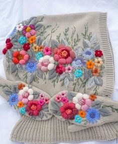 Marvelous Crewel Embroidery Long Short Soft Shading In Colors Ideas. Enchanting Crewel Embroidery Long Short Soft Shading In Colors Ideas. Embroidery Designs, Japanese Embroidery, Crewel Embroidery, Beaded Embroidery, Cross Stitch Embroidery, Embroidery Thread, Knitting Designs, Knitting Patterns, Crochet Patterns