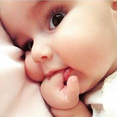 Cute Kids Pics, Cute Baby Girl Pictures, Baby Girl Images, Cute Little Baby, Baby Kind, Baby Baby, Baby Girl Names 2016, Funny Babies, Cute Babies