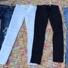 Black and white pair A&F jeans Cute excellent condition $20 includes both pairs Jeans Skinny