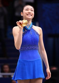 Yuna Kim, my Queen. & her magical blue dress ;) ❤️❤️ i miss her badly. :(