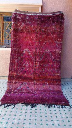 Gorgeous beni mgild berbère / moroccan rug  by rugsofmarrakech