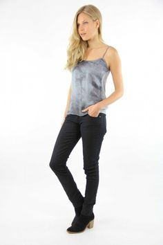 Top Seda desteñido, silk top, gray top, System Action, shop online, lookbook, model, street Style, SS2015, PV2015, new collection, details, beautiful, clothes, ropa.
