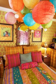 Eclectic Bedroom Design, Pictures, Remodel, Decor and Ideas - page cool with the cluster of paper lanterns. Bohemian Style Bedrooms, Bohemian Interior, Bohemian Decor, Bohemian Furniture, Bohemian Gypsy, Girls Bedroom, Bedroom Decor, Bedroom Ideas, Bedroom Photos