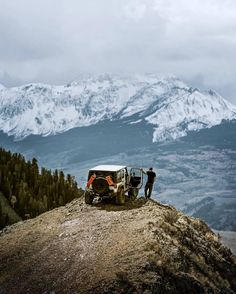 Drive until the mountains are within reach. #getoutdoors #upknorth Weekend mode in Telluride, Colorado. Awesome shot by @caseymac (at Telluride, Colorado)
