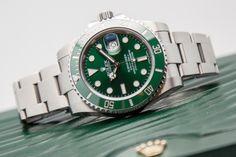 Rolex 116610LV GREEN submariner hulk