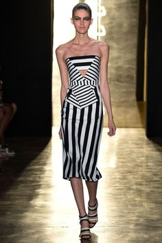 Biggest Trend for SPRING. Stripes, Stripes and more Striped!  Cushnie et Ochs Spring 2015 Ready-to-Wear - Collection - Gallery - Look 1 - Style.com