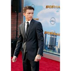 """Tom attends the World Premiere of """"Spider-Man: Homecoming"""" at TCL Chinese Theatre in Hollywood, California (06/28)! Swipe to see the full HQ gallery @tomholland2013 
