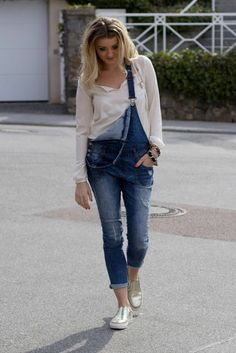 Hello ♥ new post up on my blog - check it out! Happy Easter! In love with dungarees! casual chic basic streetstyle fashionblogger fashion mode sleepers espandrillas  latzhose gold liebe style outfit look