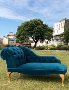 This Gorgeous Little Chaise Longue has been recovered and brought back to life using a teal velvet. Don't throw away a lovely frame - You'll be amazed at what can be done Couch Design, Living Room Sofa Design, Living Room Decor, Bedroom Decor, Velvet Furniture, Bespoke Furniture, Home Furniture, Furniture Design, Chesterfield