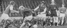 1st January 1972. Former Toffee Alan Ball and Arsenal team mate Eddie Kelly dislodge Everton winger Alan Whittle of the ball, at Highbury.