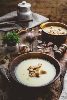 Czech Recipes, Ethnic Recipes, Garlic Soup, Fondue, Panna Cotta, Cheese, Recipe Ideas, Mood, Dulce De Leche