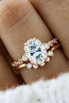 10 Fresh Engagement Ring Trends For 2018 engagement ring trends rose gold unique oval ring sets See more: www.weddingforwar... #weddingforward #wedding #bride #engagementrings Eengagementringstrends #weddingrings