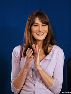 Carla Bruni - light violet/purple