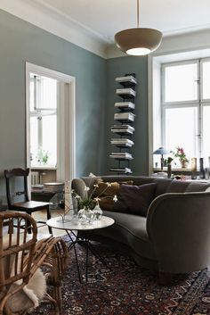An Eclectic Space Drenched in all the Right Colors / Bliss