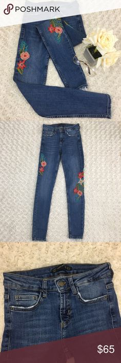 ZARA Women's Trend Rose Embroidered Skinny Jeans 2 NWNT ✨Pristine Condition Zara Jeans Skinny