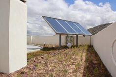 Alijardin, cubierta vegetal mod. Cántir. Solar Panels, Outdoor Decor, Home Decor, Buildings, Homemade Home Decor, Solar Panel Lights, Sun Panels, Decoration Home, Interior Decorating