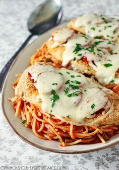 Baked Pizzaiola Chicken - This looks delicious!